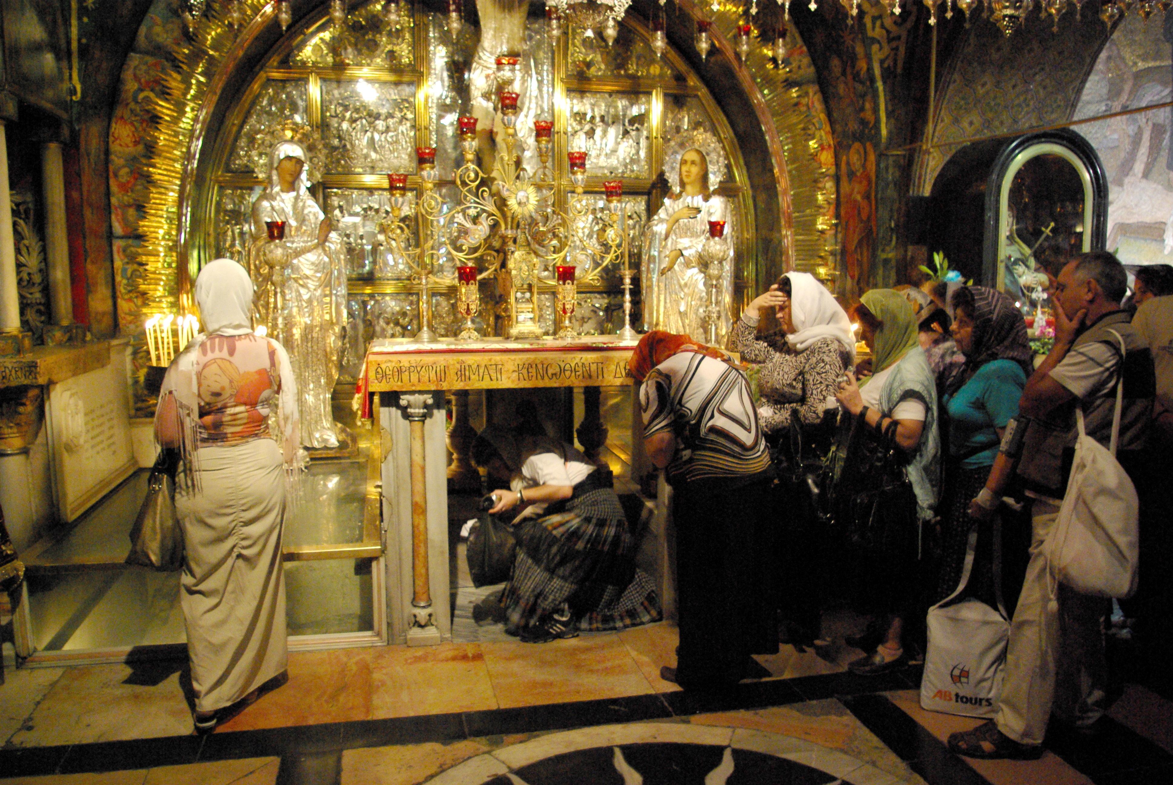 Jerusalem_Holy_Sepulchre_BW_4