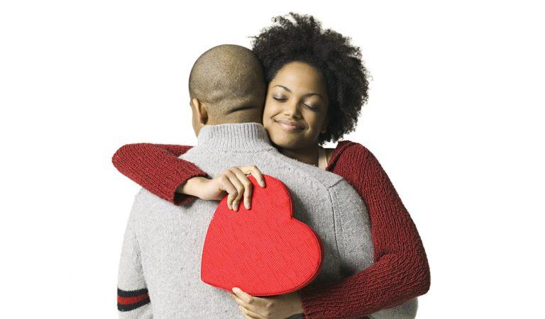 7 regalos católicos para el día de los enamorados