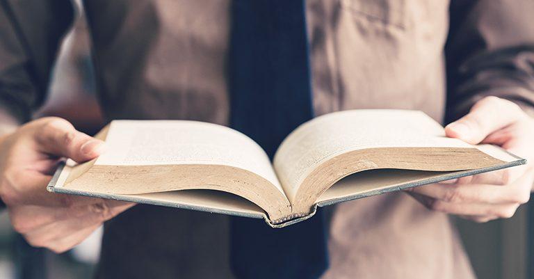 Cuaresma. el tiempo perfecto para comer demasiada Biblia
