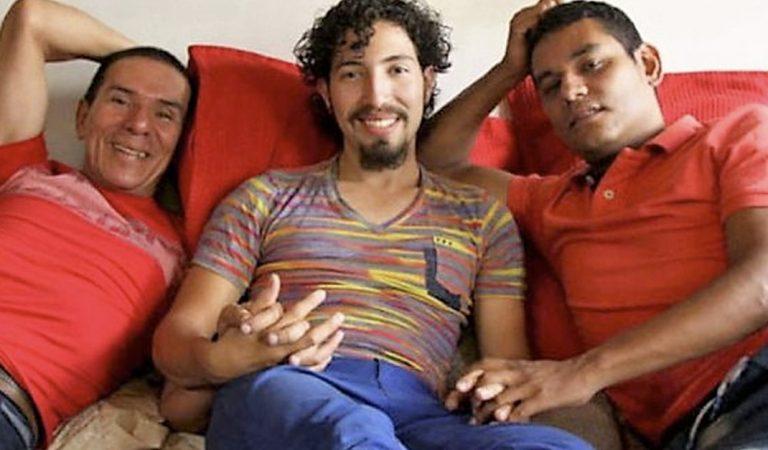 """3 hombres en Colombia """"celebran"""" el primer trimatrimonio de su país"""