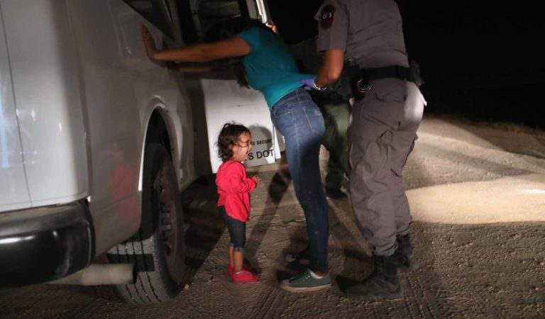 El viacrucis de los que salen de su tierra en busca de refugio (Fotos)