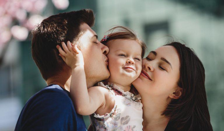 Amor, el ingrediente principal que necesitan los niños para crecer emocionalmente fuertes