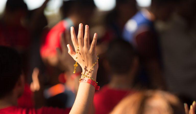 Doce Millones de Personas Rezando Diario el Rosario Por La Paz En México