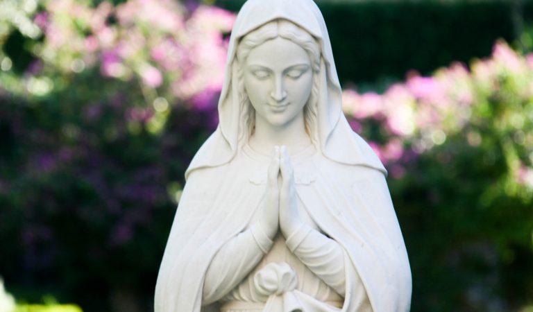 María la Inmaculada: Hija del Padre, Madre de Jesús, Esposa del Espíritu Santo