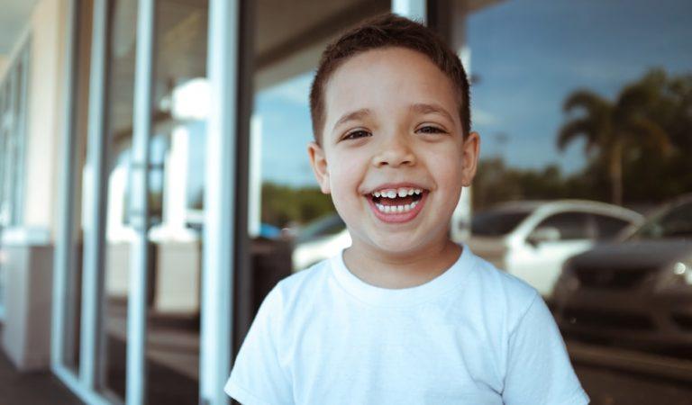 Conoce al Niño que Emprendió El Puesto de la Risa